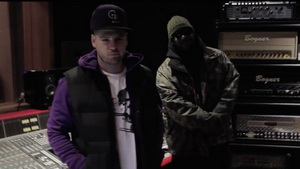 B.A.R.S. Murre & Kool G Rap – Humina Humina